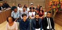 Vereadores realizam homenagens e Câmara de Itabirito superlota, VEJA VÍDEO